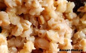 Рецепт перловой каши с морской капустой, сваренной на молоке