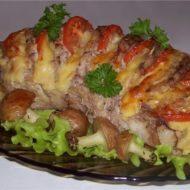 Свинина запеченная с помидорами и картофелем