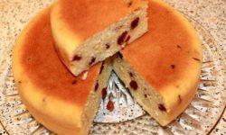Пирог простой с изюмом