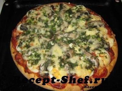 пицца со шпротами и яйцами