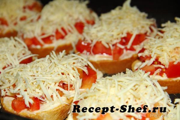 Бутерброды с чесноком и сыром в духовке рецепт