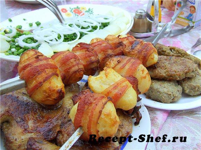 Картофельные шашлычки с беконом