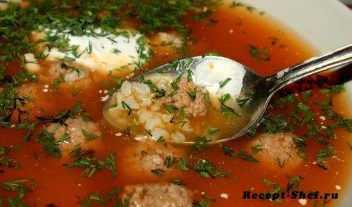 Рисовый суп с томатом и фрикадельками
