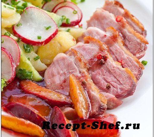 Куриная грудка со сливовым соусом