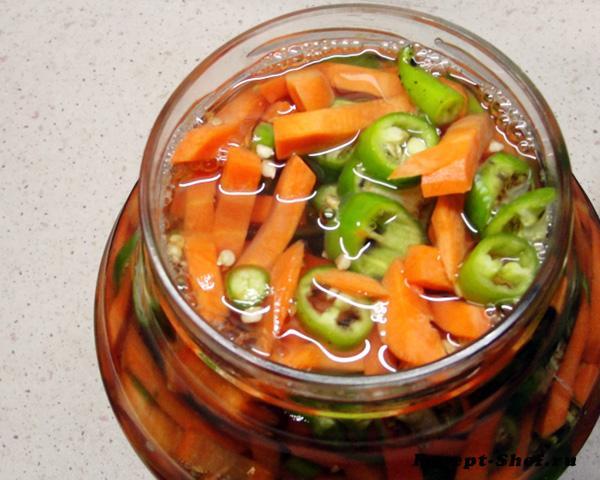 Острая морковка с перчиком чили