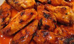 Куриные крылышки в специальном соусе