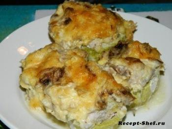 Кабачки с курицей, грибами и сыром