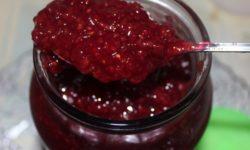 Варенье из ягод малины с добавлением коньяка