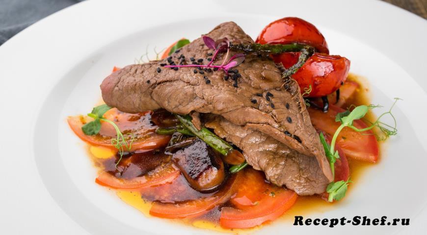 Теплый салат с говядиной в паназиатском стиле