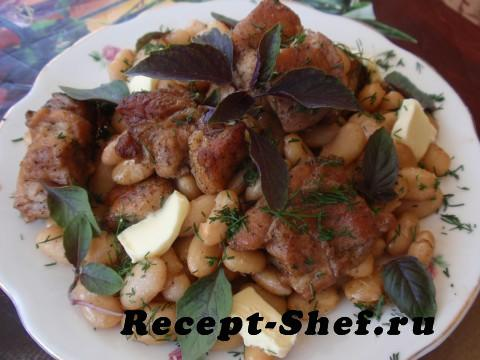 Запеченная свинина с белой фасолью