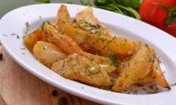 Картофель золотистый в кляре из яиц и муки