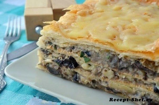 Закусочный торт из слоеных коржей с паштетом, плавленым сыром и шампиньонами
