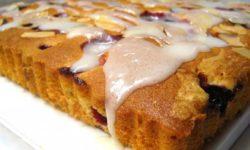 Рецепт глазированного пирога со смородиной