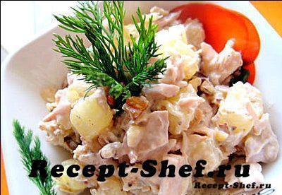 Салат из грудки курицы с ананасом