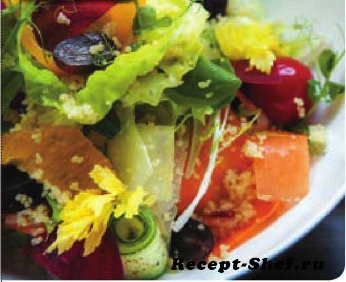 салат из свежих овощей с кускусом